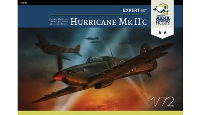 Hurricane Mk. IIc Hawker - ARMA HOBBY 70035 1/72